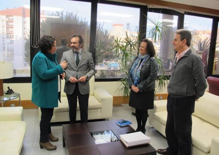 Reunión de trabajo entre la Alcaldesa de Pliego y el Consejero de Fomento e Infraestructuras (09/02/2017)