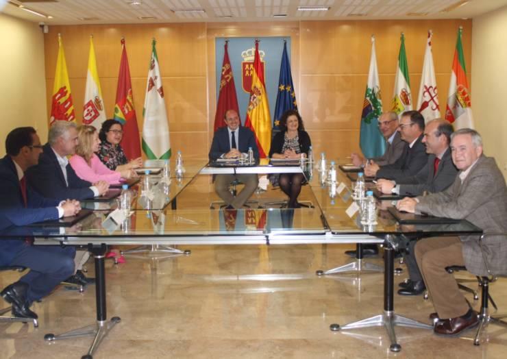 REUNIÓN DE LOS MUNICIPIOS DEL G 8 CON EL PRESIDENTE DE LA CCAA (10/03/2017)