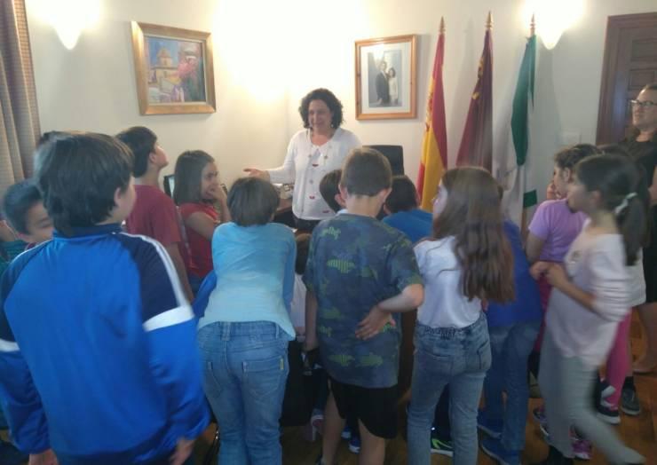 Alumnos de tercero del CEIP Pascual Martinez Abellán visitan el Ayuntamiento de Pliego