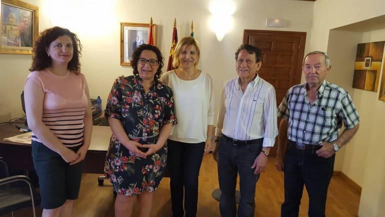 Visita de la Consejera de Familia e Igualdad de Oportunidad Dª. Violante Tomás Olivares