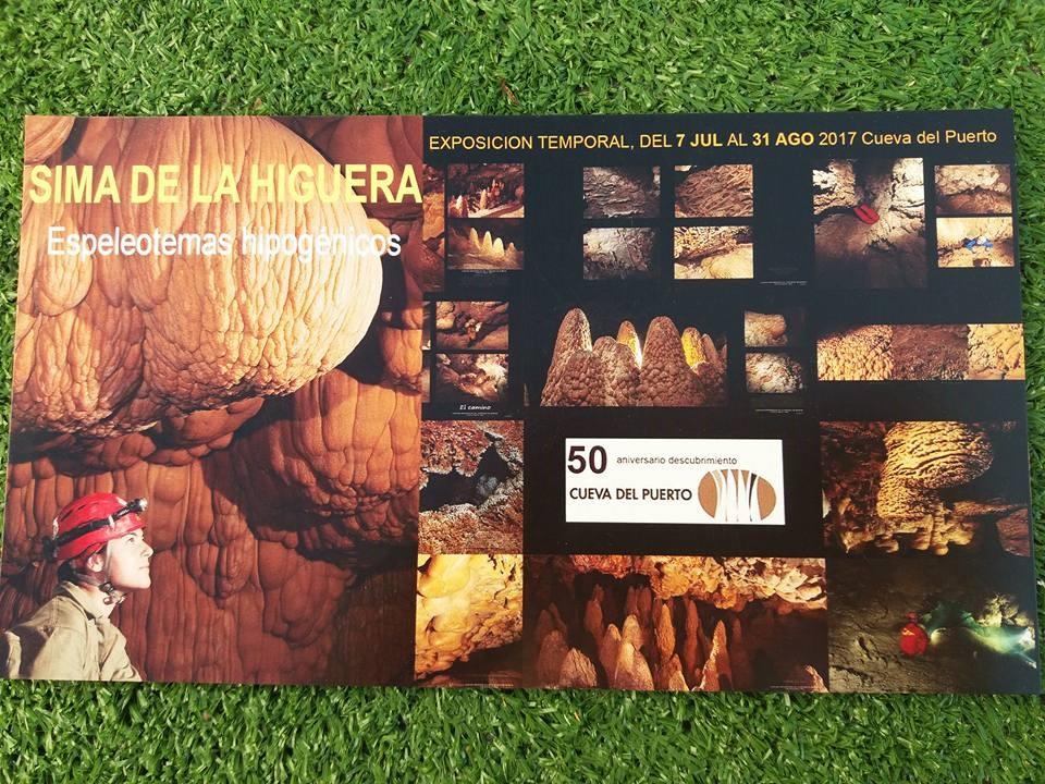 """Inauguración de la exposición fotográfica """"SIMA DE LA HIGUERA, ESPELEOTEMAS HIPOGÉNICOS"""" en Sala de Visitantes de Cueva del Puerto (Calasparra)."""