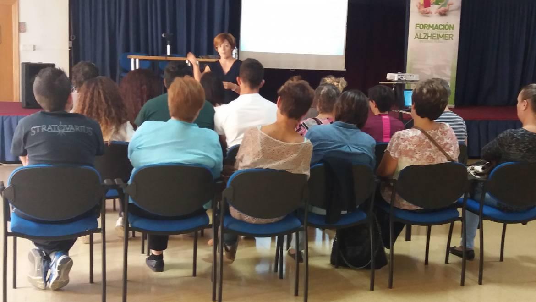 Numerosa asistencia a la charla sobre el Alzheimer en Zonas Rurales
