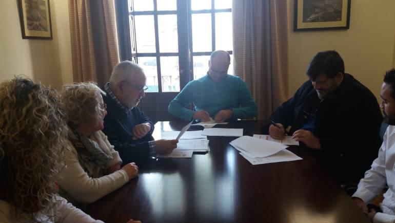 Firma del contrato de Redacción del Proyecto Básico y de Ejecución de las obras del Nuevo Colegio.