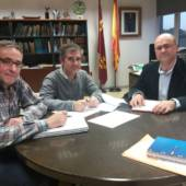 Productiva reunión del alcalde de Pliego con el Director General de Agua planteando inversiones necesarias