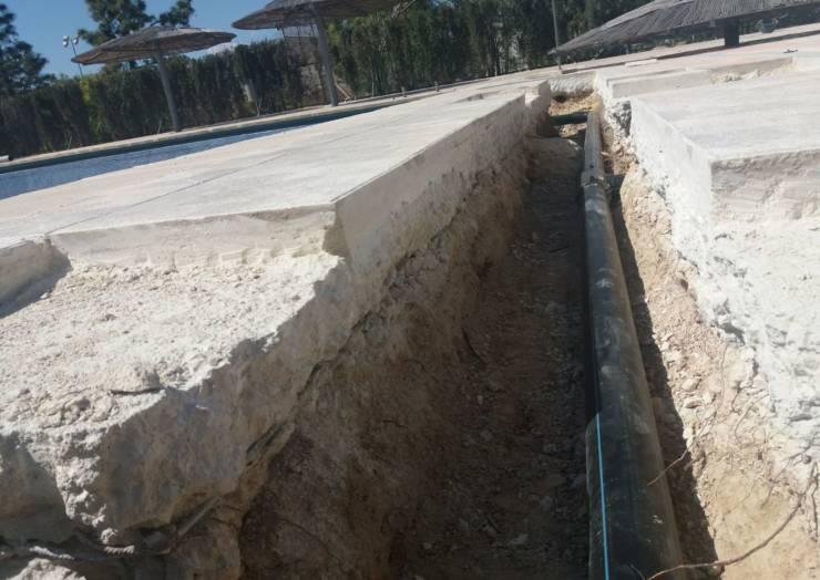 Localizada la grave fuga en la reforma de la piscina municipal