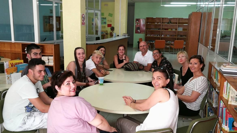 Ayer se realizó la segunda de las actividades enmarcadas en la Semana de la Diversidad inaugurando un punto de lectura en la Biblioteca Municipal