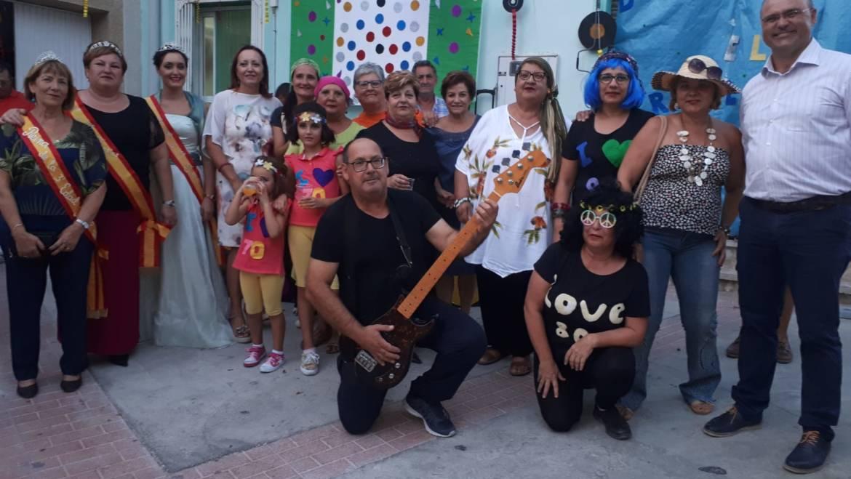 Pliego comienza a vestirse de Fiestas con el engalanamiento de las calles