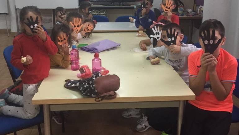Se están desarrollando con éxito las actividades de la Sábadoteca promovidas por el  Ayuntamiento de Pliego para ayudar a la conciliación personal y laboral.