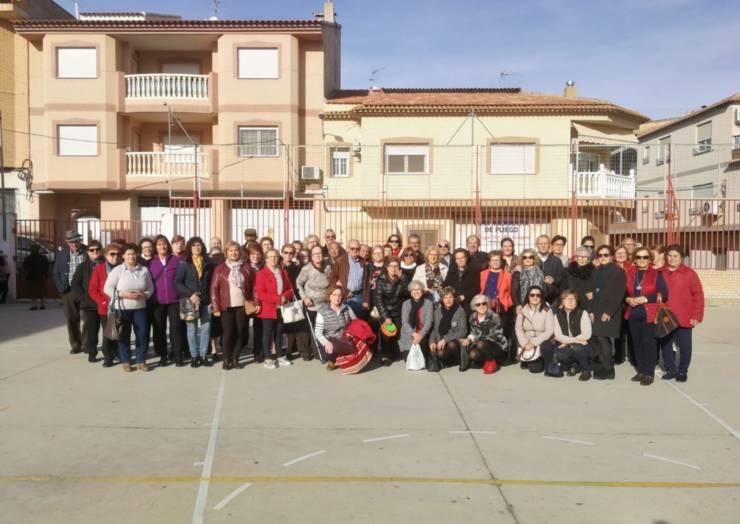 Jornada intergeneracional entre nietos y abuelos en el colegio