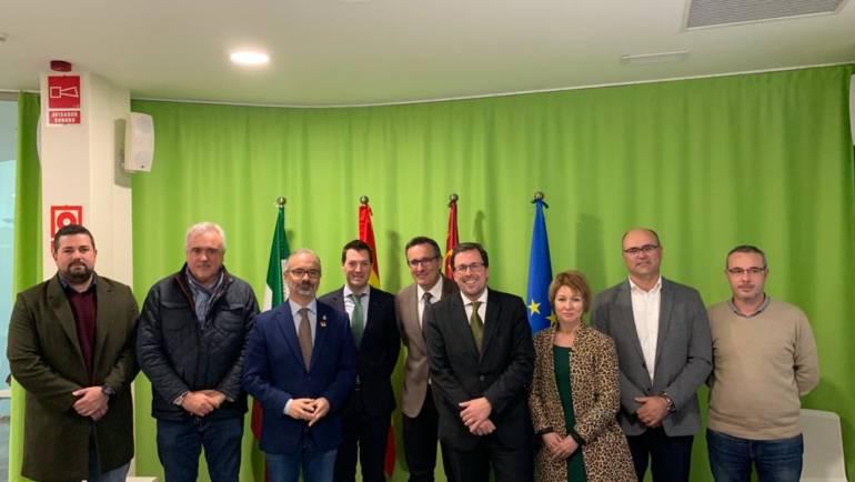 El alcalde de Pliego ha estado con el Secretario General de Industria y PYMES del Ministerio de Industria tratando las ayudas disponibles