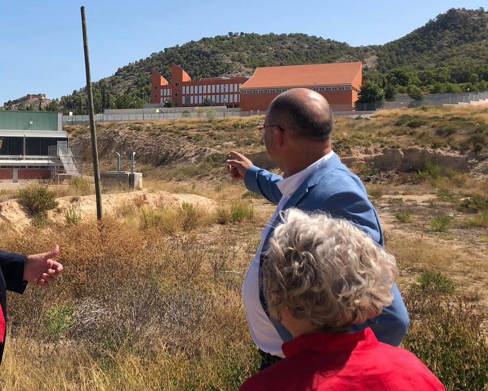 El Ayuntamiento de Pliego ha recibido la resolución necesaria para que se inicie la contratación de las obras del colegio