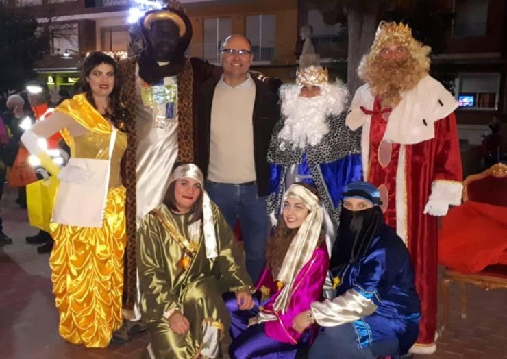 Alegría e ilusión en la Cabalgata de Reyes de Pliego