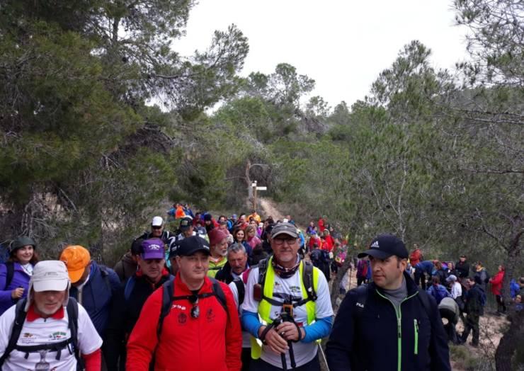 Multitudinaria ruta por el Sendero de La Almoloya