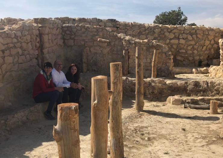 La diputada nacional María González Veracruz visitó junto a los investigadores el yacimiento de La Almoloya