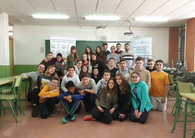 Innovadores talleres de la UPCT en el IES Federico Balart