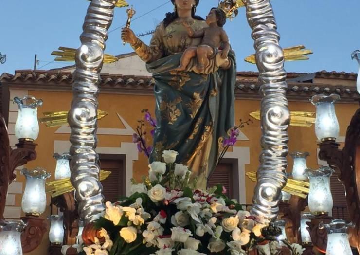 La bajada de la Virgen congregó a cientos de plegueros en un gran ambiente de festividad y devoción