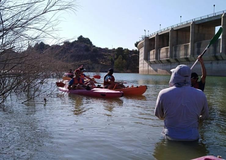 Excelente jornada en el taller de piragüismo en la presa de Pliego