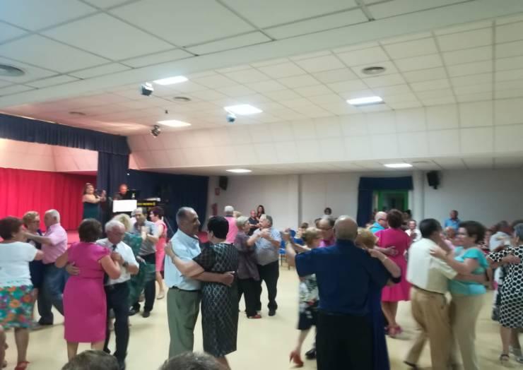 Éxito de participación en el primer Concurso de Baile para la Tercera Edad