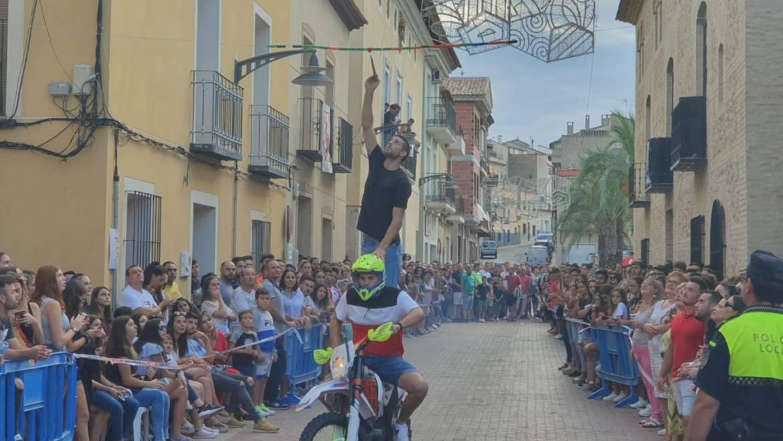Mucha participación en la carrera de cintas y en la paella gigante