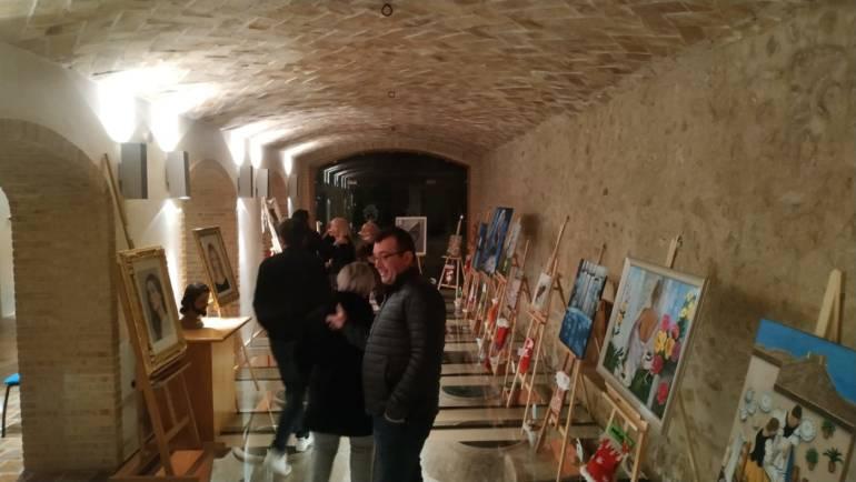 Inaugurada la exposición de artesanos locales