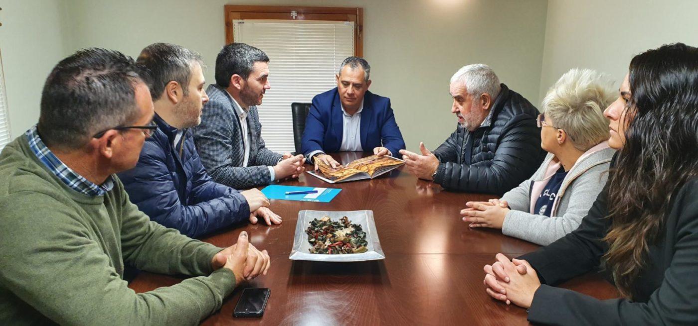 El Consejero de Agricultura y Medio Ambiente se compromete a dar solución a diferentes cuestiones importantes para Pliego