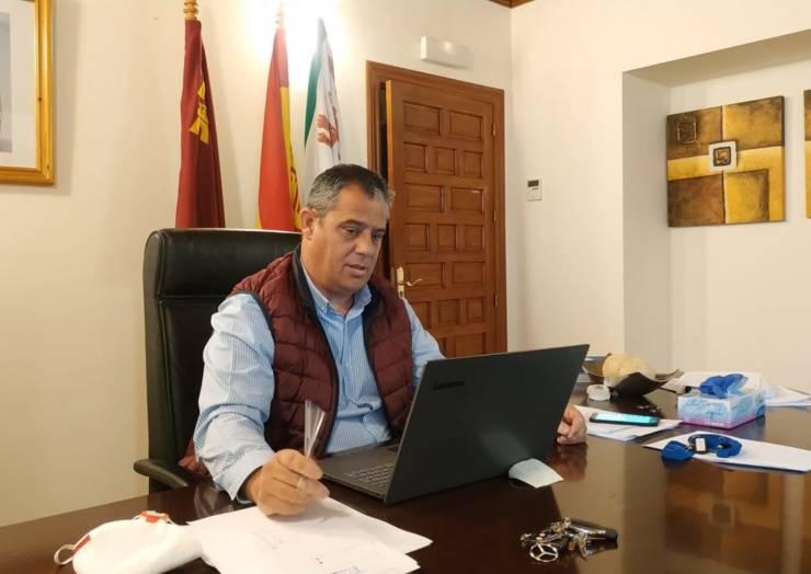 Reunidos Presidente de la Región de Murcia y alcaldes de los 44 municipios