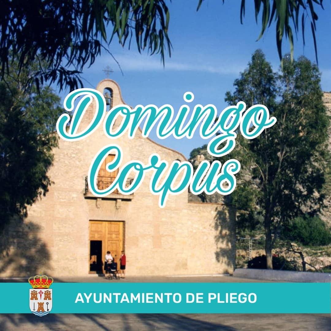 Actos Religiosos con motivo del Domingo Corpus de María Sagrario de la Trinidad.