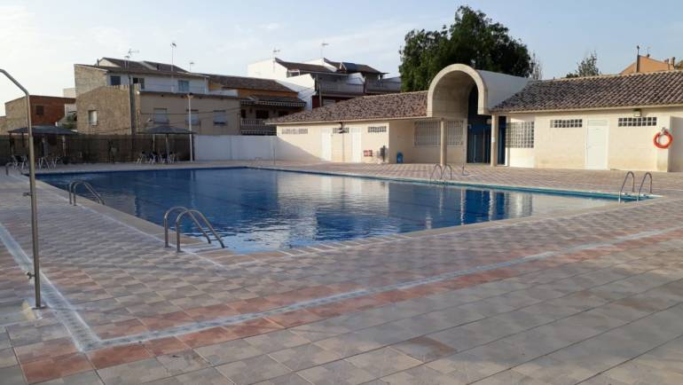 Horario y tarifa piscina municipal de Pliego 2021